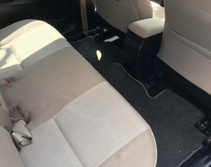 Cần bán xe Altis 2015, số sàn, máy xăng, màu xanh nhà dùng kỷ còn mới tinh 5