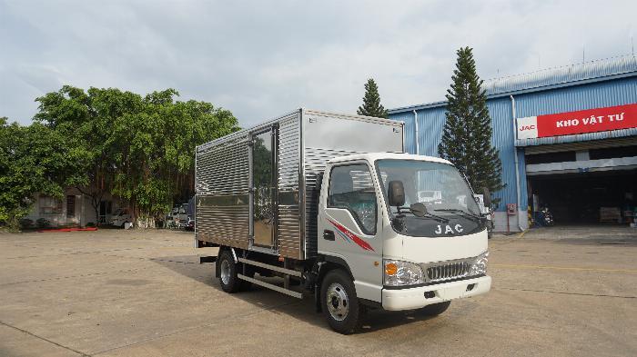 xe tải 2t4 máy ISUZU đồng bộ từ A tới Z thùng 4.4m hỗ trợ tra góp 80% xe 6