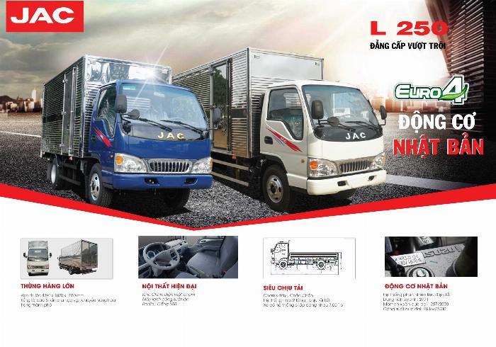 xe tải 2t4 máy ISUZU đồng bộ từ A tới Z thùng 4.4m hỗ trợ tra góp 80% xe 9