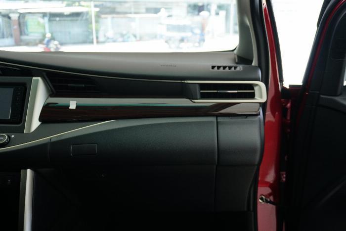 Toyota An Thành Bình Chánh Khuyến Mãi Innova Venturer Số Tự Động, Xe Có Sẳn, Đủ Màu, Giao Ngay 3
