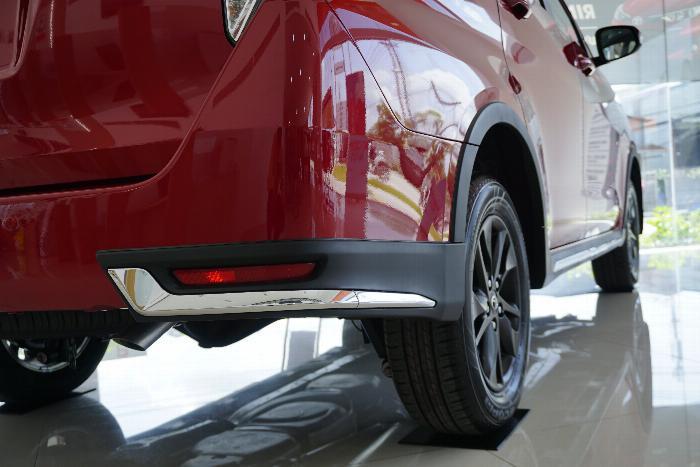 Toyota An Thành Bình Chánh Khuyến Mãi Innova Venturer Số Tự Động, Xe Có Sẳn, Đủ Màu, Giao Ngay 4