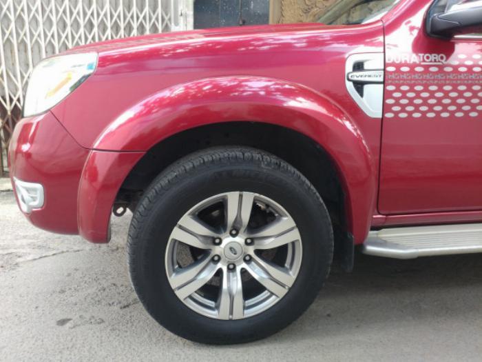 Bán Ford Everest Đỏ 2010 đk 2011 tự động máy dầu rất mới