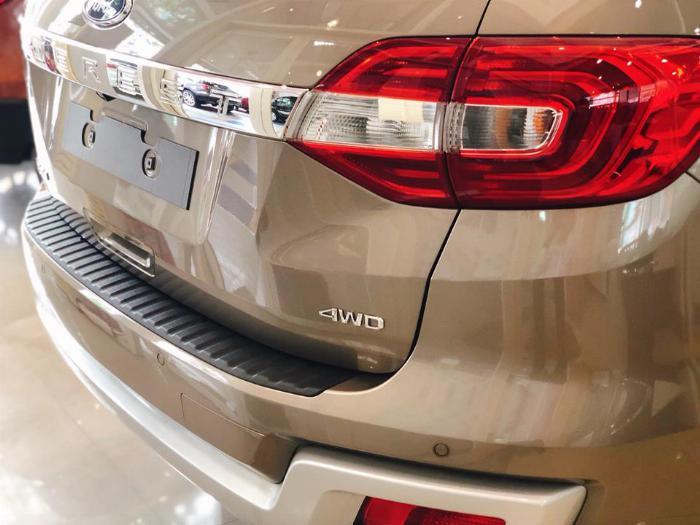Ford Everest Titanium 4x4, Bi-Turbo, AT 10 cấp