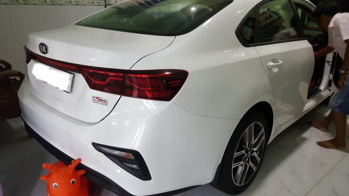Bán Cerato 1.6MT 2019, màu trắng, đúng chất lướt, giá TL, hổ trợ góp 1