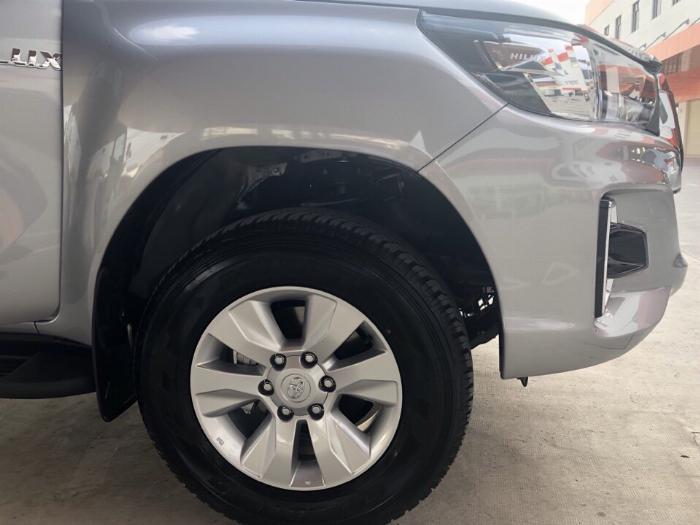 Toyota An Thành Fukushima Khuyến Mãi Bán Tải Hilux 2.4 Số Tự Động 1 Cầu, Nhập Thái 6