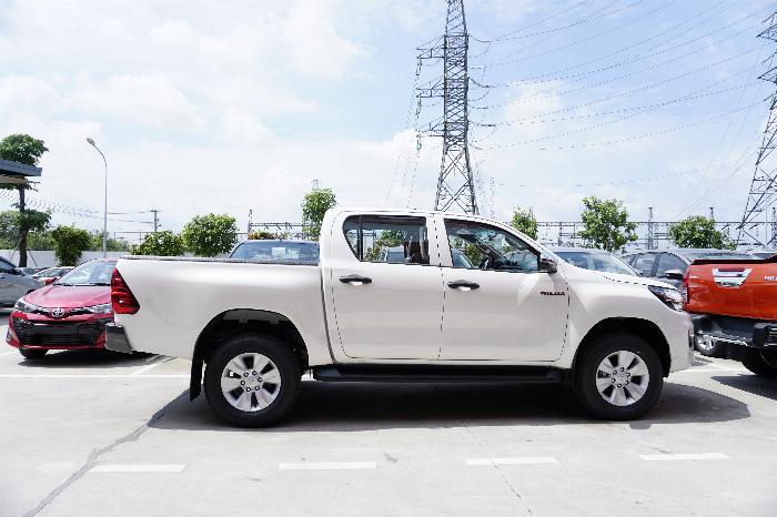 Toyota An Thành Fukushima Khuyến Mãi Bán Tải Hilux 2.4 Số Tự Động 1 Cầu, Nhập Thái 2