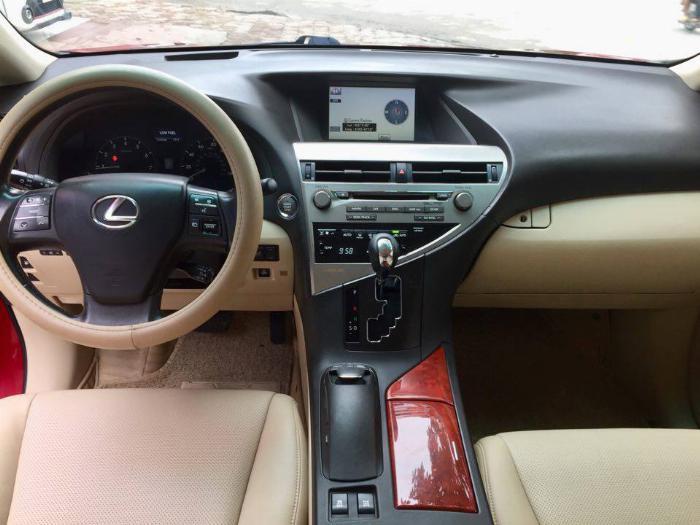 Lexus RX350, sản xuất 2009, đăng ký 2009. Động cơ V6 3.5L máy xăng, mầu đỏ, nội thất kem. Biển Hà Nội.