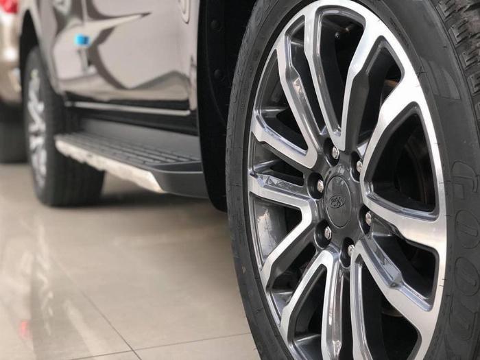Ford Everest 2019 giá tốt nhất thị trường 5