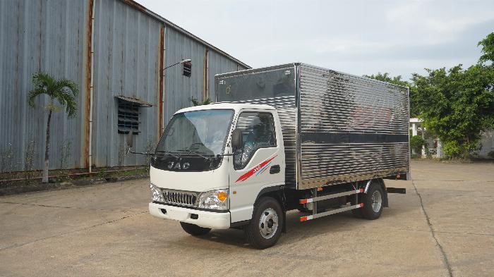 Xe tải 2t4 JAC máy ISUZU thùng 4.4m giá lăn bánh 415tr khuyến mãi định vị phù hiệu 3