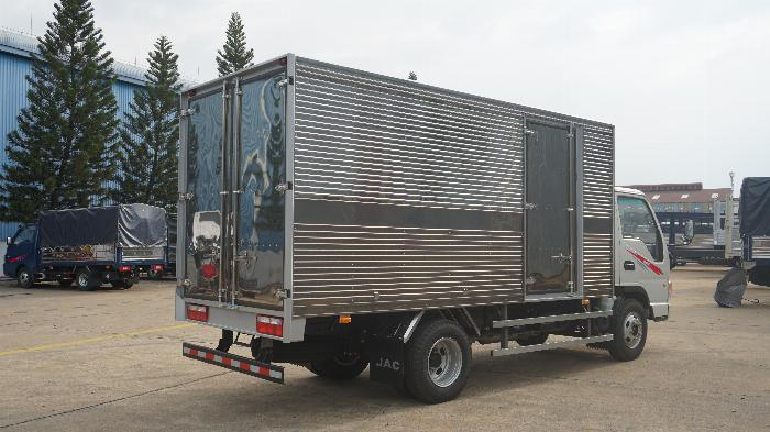 Xe tải 2t4 JAC máy ISUZU thùng 4.4m giá lăn bánh 415tr khuyến mãi định vị phù hiệu 5