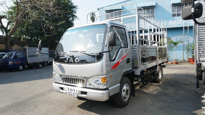 Xe tải 2t4 JAC máy ISUZU thùng 4.4m giá lăn bánh 415tr khuyến mãi định vị phù hiệu 7