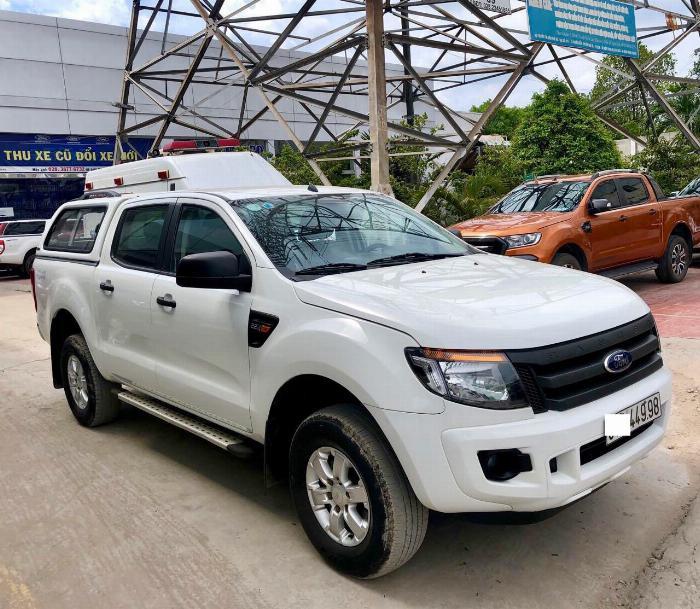 Ranger XL 4x4, MT, bản full, màu trắng, bảo hành hãng