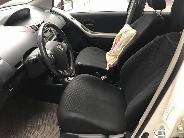 Bán Toyota Yaris 1.5 sx 2013 tự động nhập thái Trắng thể thao.