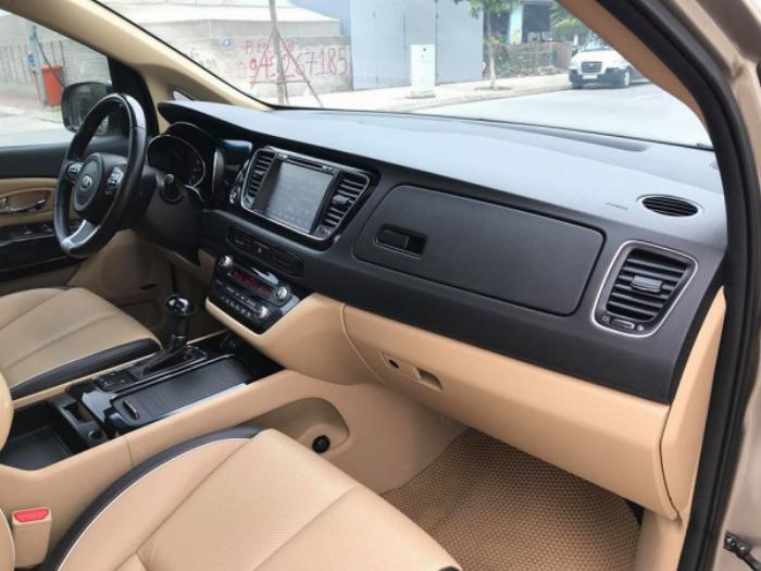 Cần bán xe ô tô Sedona 3.3, sản xuất 2016, số tự động máy xăng Full option