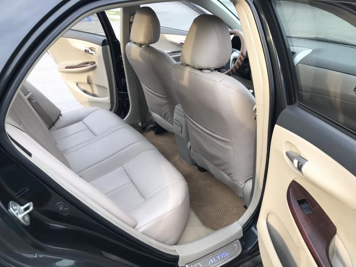 Toyota Corolla altis 1.8G năm sản xuất 2011, màu đen. Xe Cực Tuyển 22