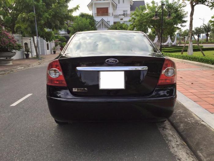 Cần bán xe Ford Focus 2007 số sàn màu đen, gia đình đi gìn giữ