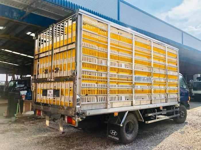 Xe tải chở Gia Cầm MIGHTY 2017 tải 6.8 tấn chứa được 189 lồng - Trả Góp 3