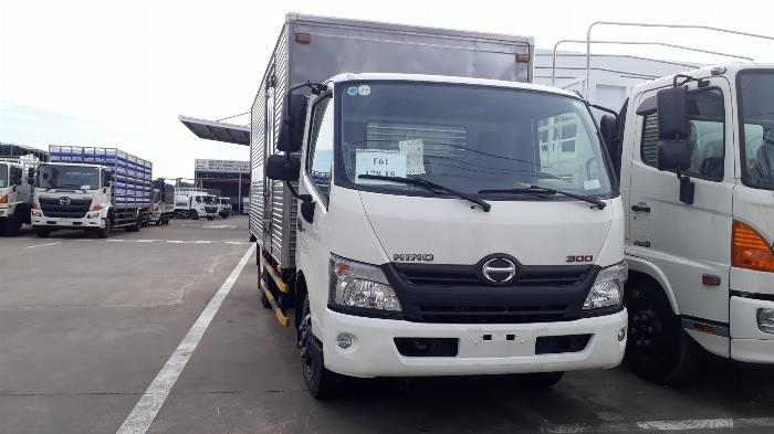 Giá xe tải Hino 3.5 tấn