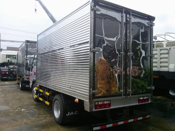 Jac 2.4 tấn thùng kín, giá tốt chính hãng 2