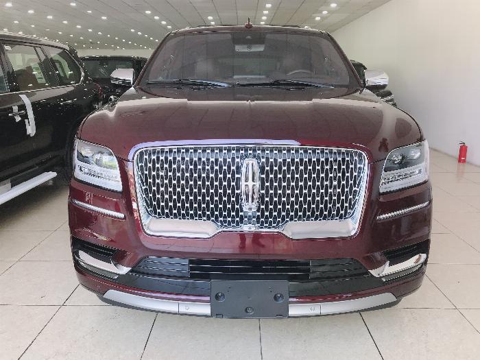 Bán xe Lincoln Navigator L Black Label sản xuất 2019, màu nâu,xe giao ngay .