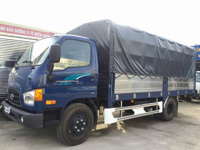 xe tải HYUNDAI tải 7 tấn thùng mui bạt dài 5m -Trả Góp