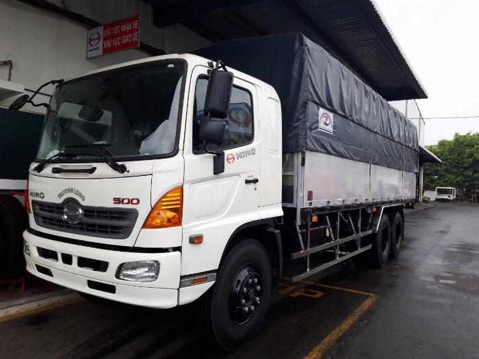 Xe tải HINO FL 3 chân 2017 (GA CƠ) thùng mui bạt bửng nhôm tải 15 tấn - Trả Góp 0