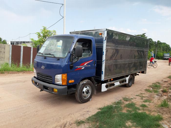 Xe tải HYUNDAI N250SL tải 2.5 tấn thùng kín dài 4.3m - Trả Góp 0