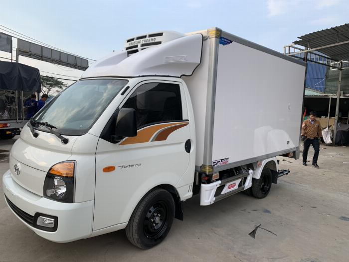 Xe tải HYUNDAI thùng Đông Lạnh tải 1.5 tấn - Trả Góp