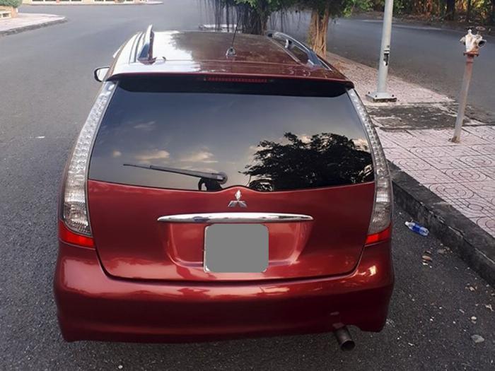 Bán Mitsubishi Grandis 2005 tự động màu đỏ xe gia đình sử dụng 2