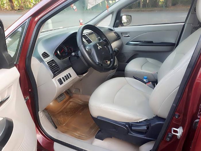 Bán Mitsubishi Grandis 2005 tự động màu đỏ xe gia đình sử dụng 3