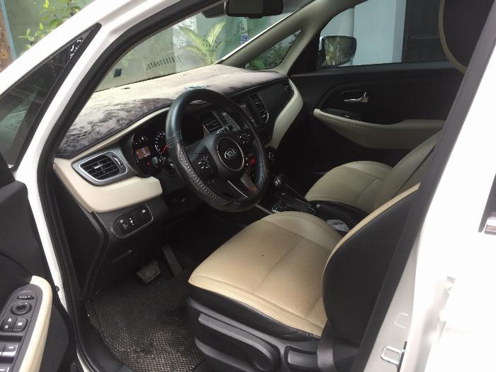 Cần bán xe Kia Rondo 2016 số tự động máy xăng, xe màu trắng còn rất mới 4