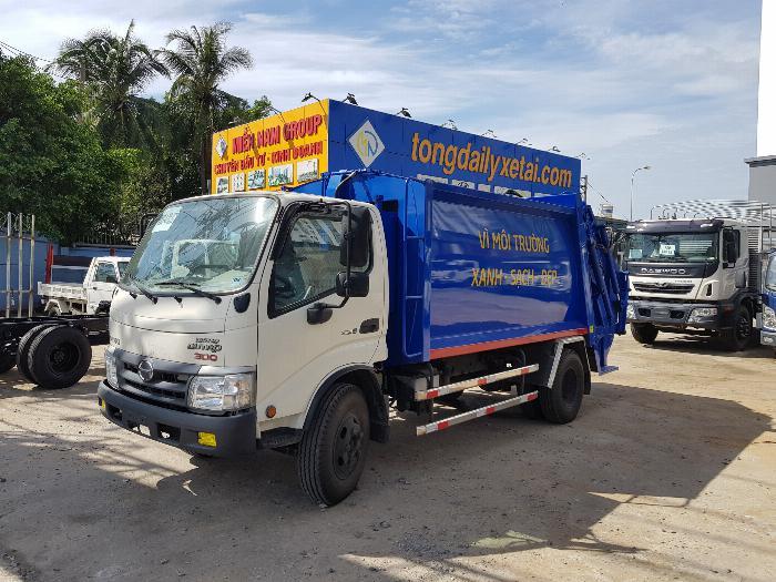 Xe tải Chuyên Dùng CHỞ RÁC HINO DUTRO XZU342L (6 khối)- Trả Góp 0