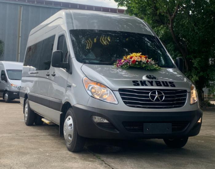 Xe du lịch 16 chỗ JAC Sunray kiểu dáng Hyundai solati giá cực tốt, hỗ trợ ưu đãi