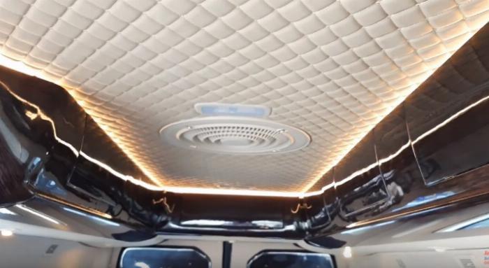 Trần xe Hyundai Solati limousine