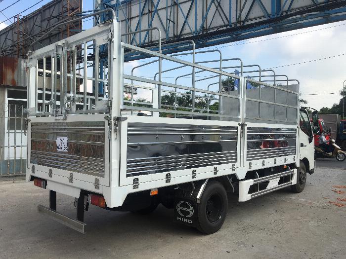 Xe tải HINO XZU720L tải 3.5 tấn thùng mui bạt dài 5.2m - Trả Góp 2
