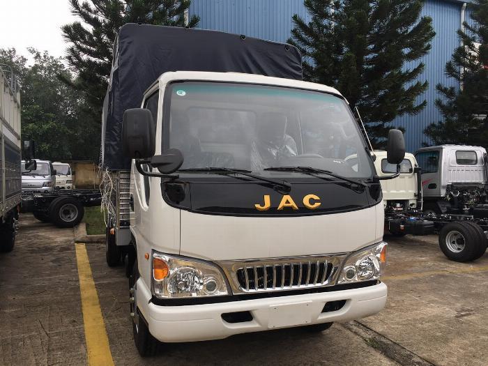 giá xe tải jac 2t4 động cơ isuzu thùng dài 4m4-trả trước 80 triệu