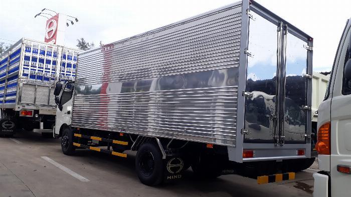 Xe Tải Hino 5 Tấn Thùng Kín 5.5 m - Hỗ trợ vay 72 Tháng. 1