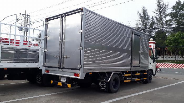 Xe Tải Hino 5 Tấn Thùng Kín 5.5 m - Hỗ trợ vay 72 Tháng. 2
