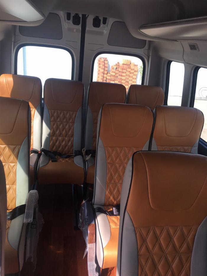 Dịch vụ độ xe Universe thành xe hạng sang ghế VIP Limousine 6