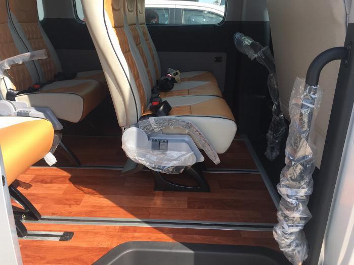 Dịch vụ độ xe Universe thành xe hạng sang ghế VIP Limousine 7