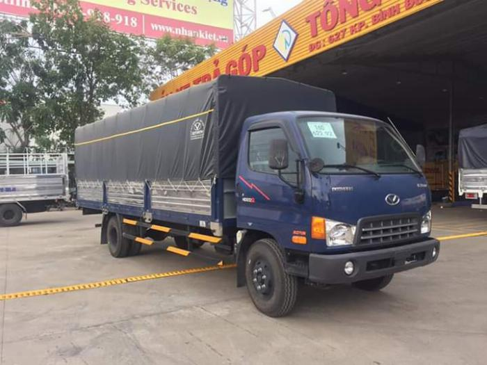Xe tải HYUNDAI 120SL tải 8 tấn thùng mui bạt dài 6.3m - Trả Góp 0