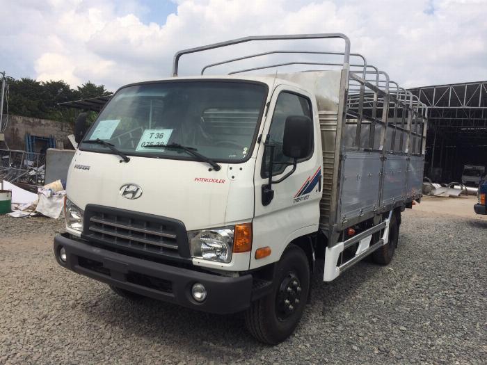 Xe tải HYUNDAI MIGHTY 2017(Ga cơ) tải 8 tấn thùng mui bạt dài 5m-Trả Góp 1