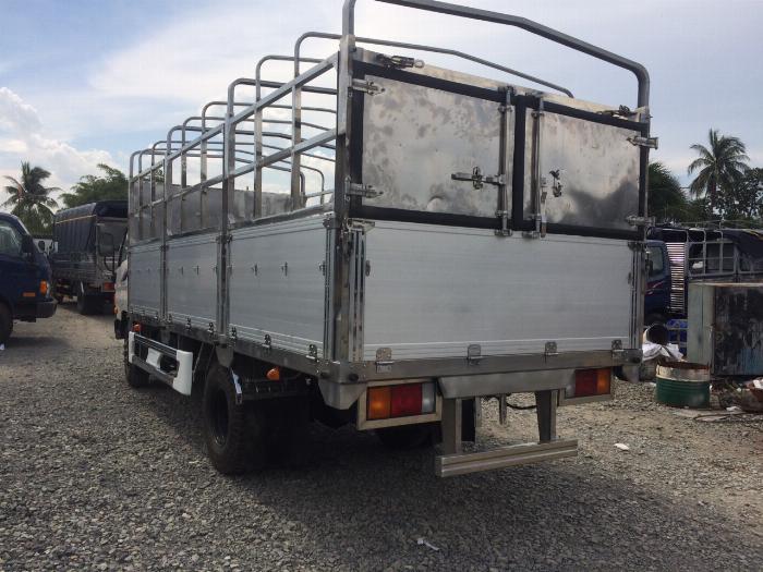 Xe tải HYUNDAI MIGHTY 2017(Ga cơ) tải 8 tấn thùng mui bạt dài 5m-Trả Góp 3