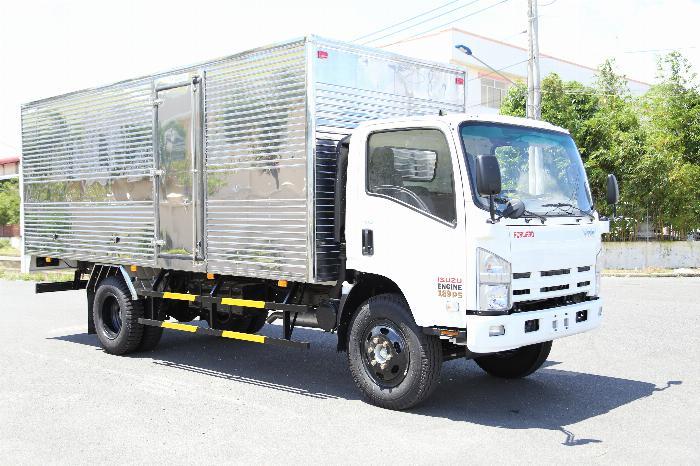 Xe tải ISUZU VM FN129L4 EURO 4 tải 8.2 tấn thùng kín dài 7m- Trả Góp 4