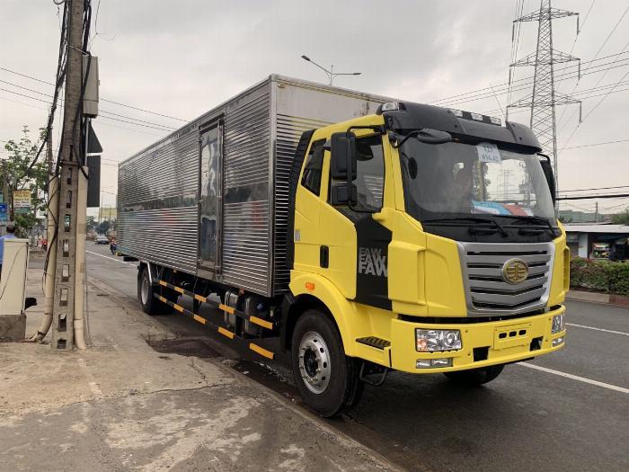 xe tải faw 7.8 tấn thùng dài 9m7-trả trước 300tr có xe 1