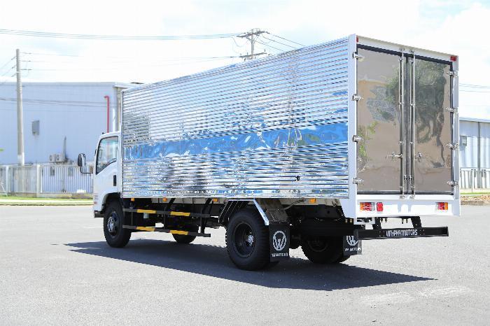 Xe tải ISUZU VM FN129L4 EURO 4 tải 8.2 tấn thùng kín dài 7m- Trả Góp 2