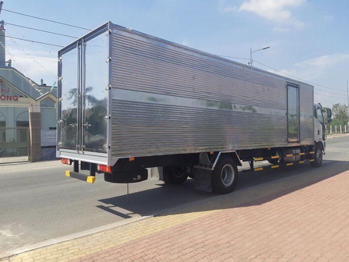 xe tải faw 7.8 tấn thùng dài 9m7-trả trước 300tr có xe 2