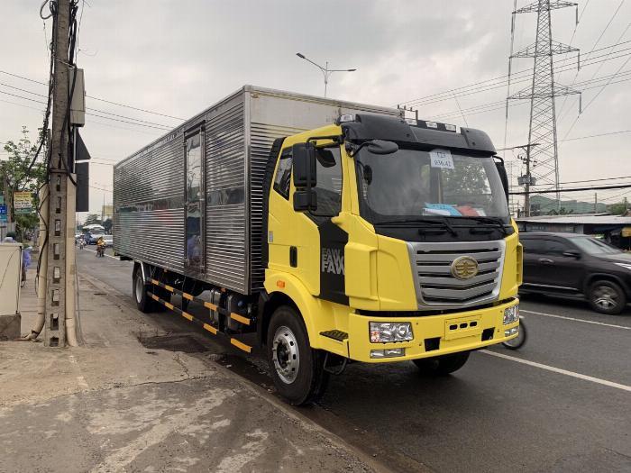 xe tải faw 7.8 tấn thùng dài 9m7-trả trước 300tr có xe 4
