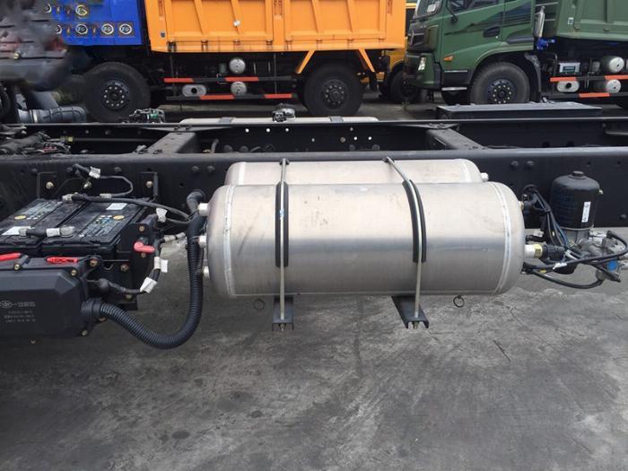 xe tải faw 7.8 tấn thùng dài 9m7-trả trước 300tr có xe 6