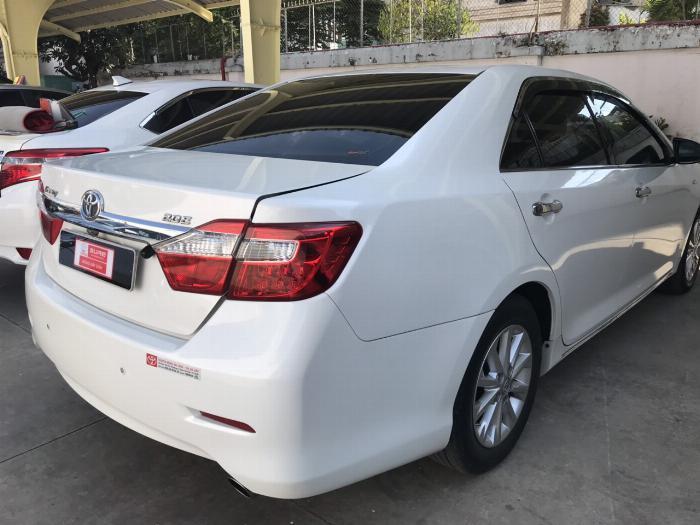 Bán Camry 2.0E đời 2014, xe lên đời khóa thông minh star/stop, mặt nạ Lexus. Hỗ trợ ngân hàng lên đến 70% 5